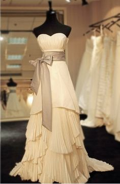 Beautiful vintage dress.