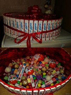 Тортик из сладостей своими руками для девушки 12