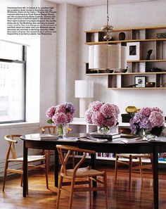 * Lovely dining room with bouquets of flowers