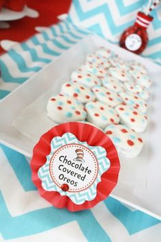 Chocolate Covered Oreos at a Dr. Seuss Party #drseuss #partytreats