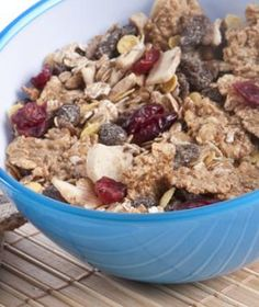 The best breakfast if you...are on the go.  Mix a whole grain, high-fiber, low-sugar cereal; nuts; and dried fruit, and portion out one-cup servings into sandwich bags. On your way out the door in the morning, grab a bag and a single-serving carton of low-fat milk. That perfect combo of carbs and protein that helps kick your brain into gear and satisfies your hunger.