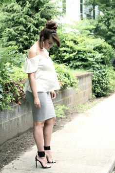 Ruched maternity skirt outfit idea // Fashion Bananas: GRAY TUBE
