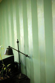 Matte and high gloss paint