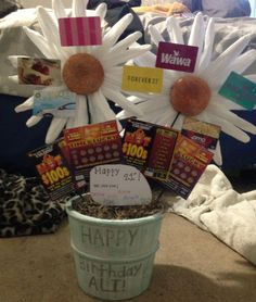 made it all by myself! birthday gift idea, gift card tree.