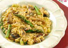 Mushroom and Asparagus Risotto-a delicious vegan version.