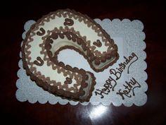horseshoe cake