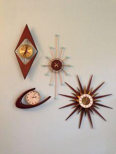 Googie clocks