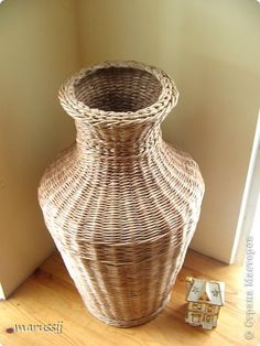 Поделка изделие Плетение Ох уж эти вазы  Бумага газетная Трубочки бумажные фото 5
