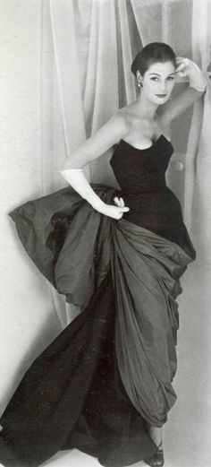 Fiona Campbell-Walter in a gown by Schiaparelli, 1952. Photo by Henry Clarke.