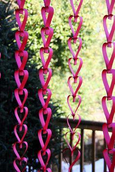 heart valentine paper chain DIY
