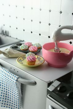 from the re-ment us series. i love the mixing bowl. there are several of them and they fit together. eee! :)
