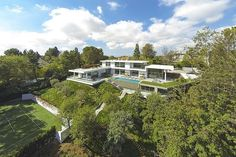 Holmby Hills Residence by Quinn Architects http://www.homeadore.com/2014/06/02/holmby-hills-residence-quinn-architects/… Please RT #architecture #interiordesign pic.twitter.com/blg5ea5otz