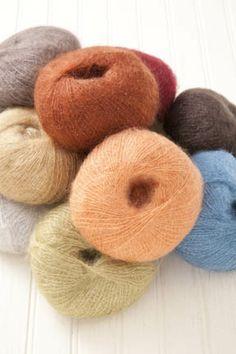 LUNA http://tahkistacycharles.com/t/yarn_single?products_id=652