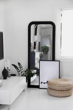 44 Beautiful Black and White Decor Ideas | Decorating Ideas