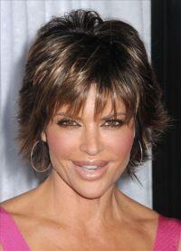 Lisa Rinna short shag haircut
