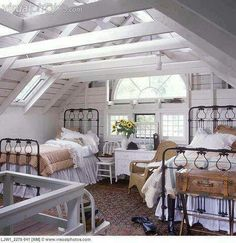 ♥ decor, idea, beds, exposed beams, attic bedrooms, attic rooms, guest rooms, country bedrooms, iron