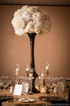 Chic Gold and Black Chanel Inspired Wedding in Atlanta - Munaluchi Bridal Magazine #bouquet #weddingdecor
