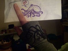 A customer sent us this photo. Octopuses in love! <3