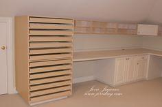 I want that drawer unit.