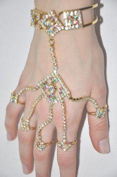 nasti fashion, indian hand, jewelleri, hands, hand jewelri, ʜᴀᴅᴀᴄᴀʀᴏʟɪɴᴀ, jeweleri, gemston jewelri, bling bling