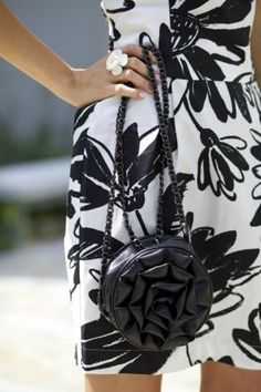 Black and White // Fashion Contrasts #accessories