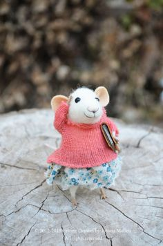 Little Coquet Mouse-  Needle Felted Ornament - Felting Dreams by Johana Molina -