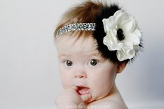love this headband for baby pictures
