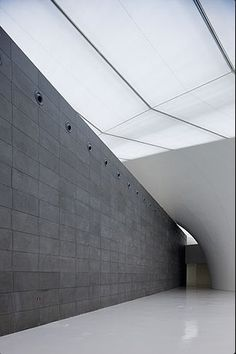 ARATA ISOZAKI & ASSOCIATES, CHINA CENTRAL ACADEMY OF FINE ARTS ART MUSEUM: can't even imagine having a place like this on campus.