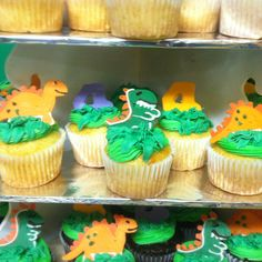 #wiltoncontest Dinosaur candy melt cupcake topper