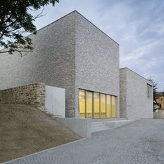"The new Museum Luthers Sterbehaus by Stuttgart architects Von M is a grey-brick extension to the house where Martin Luther died - but it turns out the Christian reformer ""actually died in another building around the corner"""