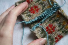 Beautifully clear steeking tutorial photos from Kate Davies