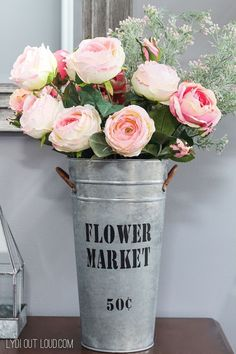 Looking for some easy home decor. Check out this beautiful DIY Galvanized Finish Flower Market Bucket. Easy to make and a great way to add some charm to your home decor. #flowermarketdecor #homedecor #easyhomedecor #galvanizedbucket