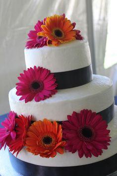 Gerber daisy wedding cake 7