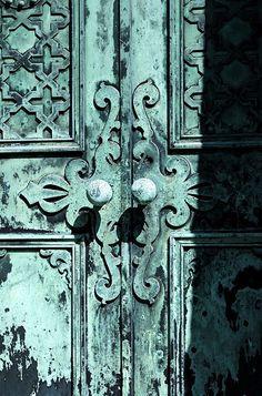 Door knobs: Shari Kerkhoff wall colors, blue doors, rustic doors, doors knobs, blue turquoise, wooden doors, old doors, gate, door handles