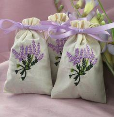 Lavender sachet favors.