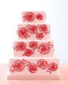Rose-piped cake made from an easy template. awesome!  #wedding