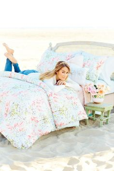 The bedding of your dreams. Find it now in all stores. #LCLaurenConrad... Gahhhhhh!!! Floral Lauren Conrad blanket?!?! I NEED this! ❤❤❤