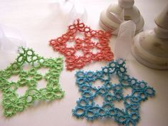Clearly, I need to learn tatting now. From Sew Ritzy-Titzy