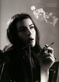 peopl, beauti, liv tyler, women, tyler photograph, willi vanderperr, cake topper, smoke, photographi