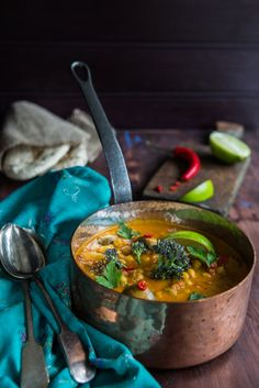 CHICKPEA, MUSHROOM AND PURPLE SPROUTING BROCCOLI CURRY