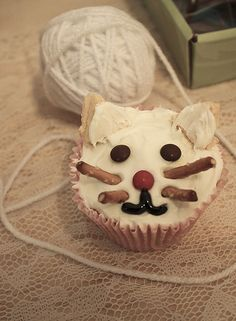 cat cupcake-looks easy