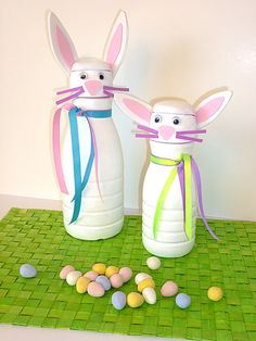 Fun Easter DIY / craft project: Decorate empty plastic cream bottles (or other plastic containers with lids and large openings). Fill with nuts, jelly beans, or other small items. Give as gifts, or keep for yourself. Links to a tutorial by ZiggityZoom.