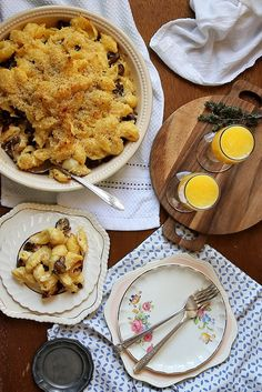 Mushroom and Caramelized Onion Mac and Cheese