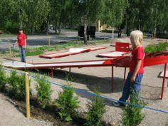 Torshov Park - Oslo. New plants for making borders.