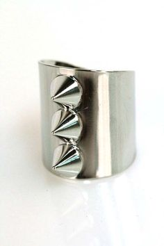 Domino Dollhouse - Plus Size Clothing: Tri-Spike Ring