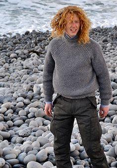 love the raglan decreases, knits by inis meain