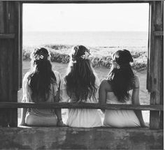 sisterssss (: i want this headband idea for bridesmaids
