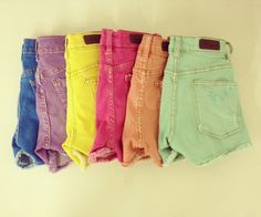 Colored high waisted shorts
