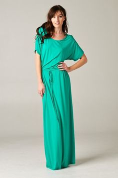 Hello, summer! I LOVE this McKinley Dress (and I can't get enough of this kelly green color)! The perfect comfort dress - dress it up with some jewels, or dress it down with a floppy hat and sandals!