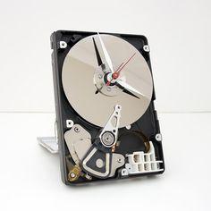 ★☯★ Clock made from a #Computer #hard drive    ★☯★ Horloge faite à partir de #disque dur d' #ordinateur  #Tictac #Ticktock #harddrive #disquedur  #Pins #WeirdPins #clocks #clock #Time #temps #horloge #horloges #montre #montres #bijou #bijoux #jewel #jewelry #luxe #luxury #WallClock   #HorlogeMurale #timepiece #wristwatch #watch #wrist #watches #MontreBracelet #bracelet  #bizarre #bizarreclock